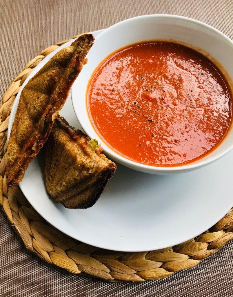 zupa z czerwonej papryki