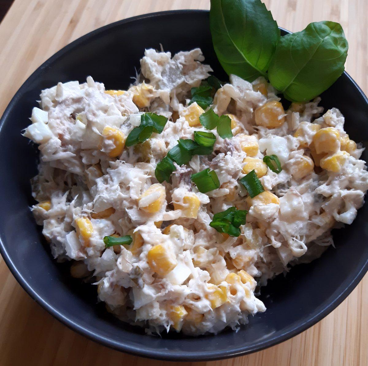 Sałatka z makrelą i ryżem