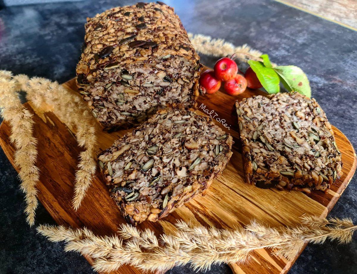 Bezglutenowy chleb z ziaren