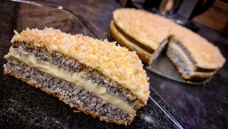 Ciasto makowe z kremem budyniowym i kokosem